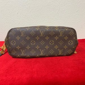 Louis Vuitton Bags - Louis Vuitton Neverfull PM Tote Bag WITH POUCH